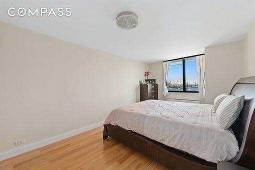 Manhattan Place, 630 First Avenue, #18C