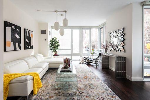 Onyx Chelsea, 261 West 28th Street, #2B