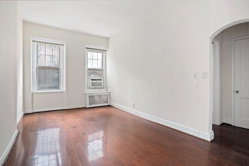 318 Lexington Avenue, #4R