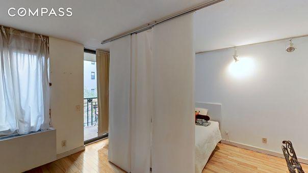 Reade House, 311 Greenwich Street, #5A