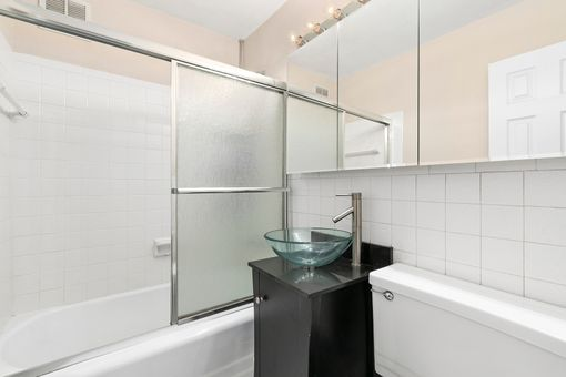 Gramercy East, 301 East 22nd Street, #8M