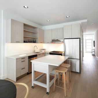 Townhouse on the Park, 11 46th Avenue, #GDN
