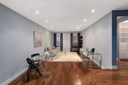 The Chelsea Warren, 165 West 20th Street, #3L