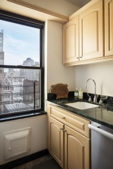 The Wexford, 400 West End Avenue, #8D