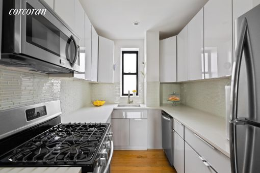 382e Condominiums, 382 Eastern Parkway, #6A