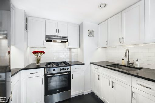 Riverview East, 251 East 32nd Street, #19F