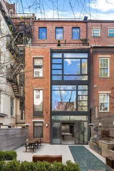 109 Waverly Place, TH