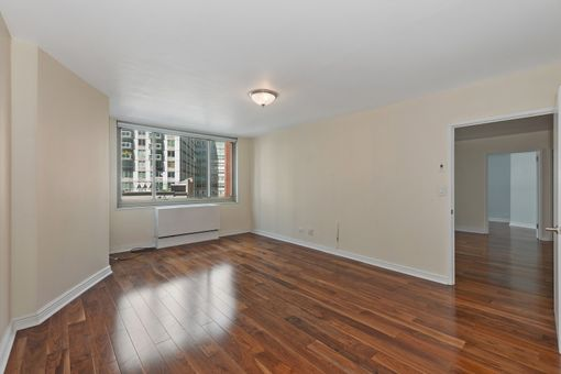 30 Lincoln Plaza, 30 West 63rd Street, #6L