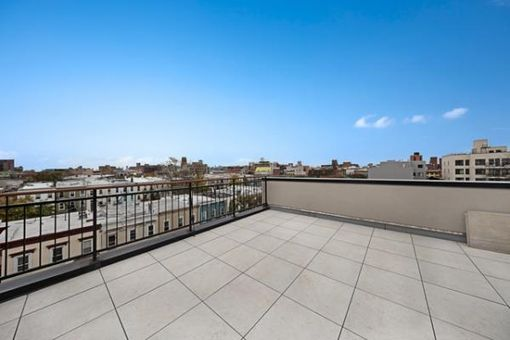 894 Willoughby Avenue, #1A