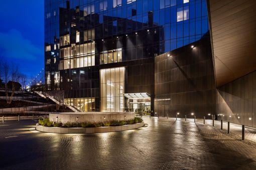 One Manhattan Square, 252 South Street, #18H