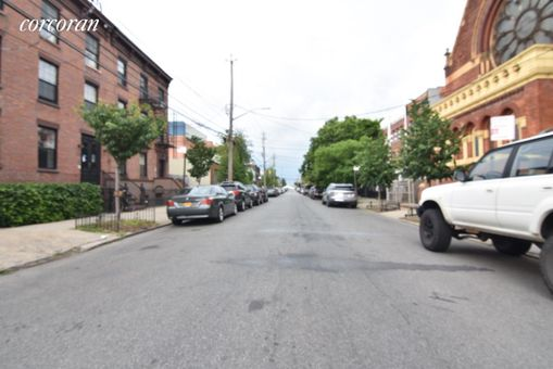368 Van Brunt Street, #4