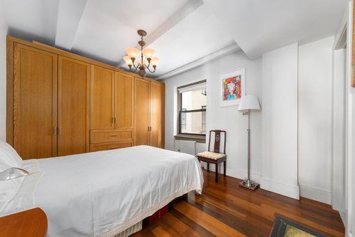 Hotel des Artistes, 1 West 67th Street, #715