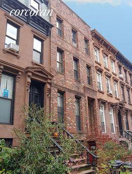 152 Macon Street,