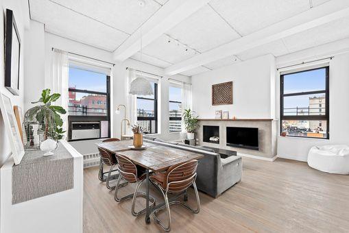 Chelsea Mews, 148 West 23rd Street, #9DE