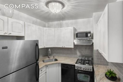Tracy Towers, 245 East 24th Street, #15E