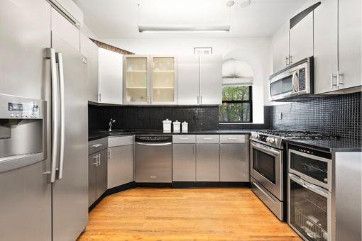 363 Manhattan Avenue, #B