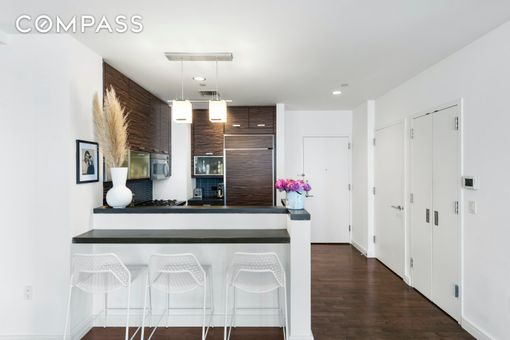 Chelsea Stratus, 101 West 24th Street, #25A