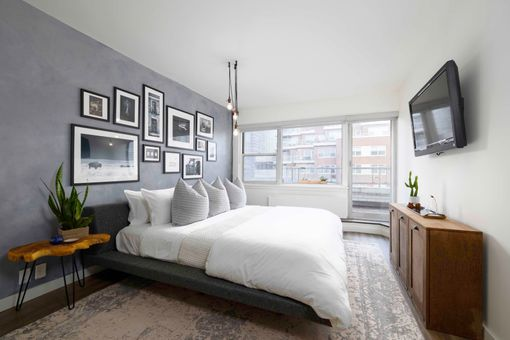 The Victorian, 175 East 62nd Street, #18B