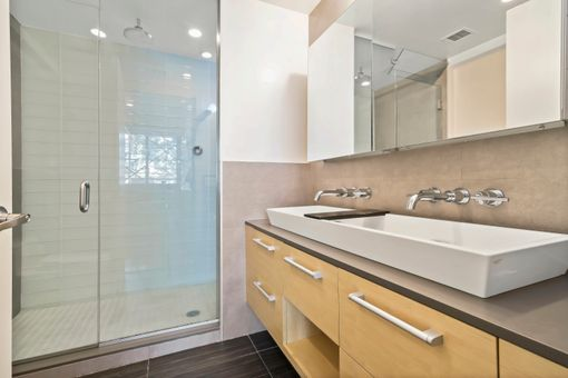 152 Withers Street, #1B