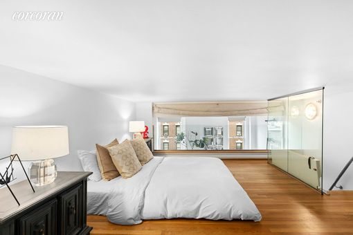 Rutherford Place, 305 Second Avenue, #319