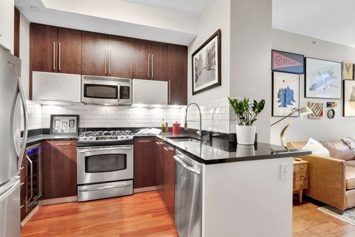 J Condominium, 100 Jay Street, #5K