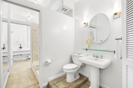 Art Deco, 252 West 30th Street, #8A