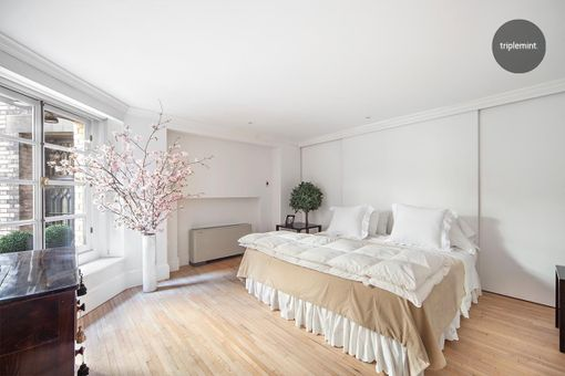 35 East 68th Street, #2A