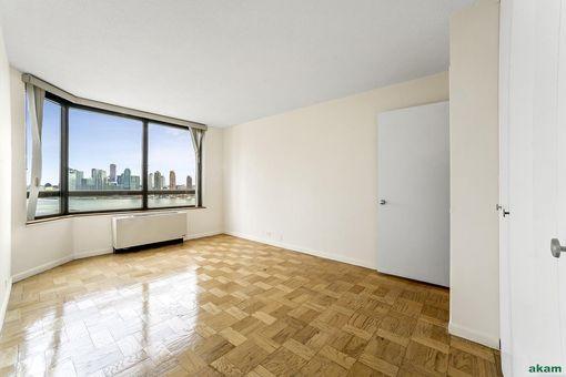 Manhattan Place, 630 First Avenue, #21A