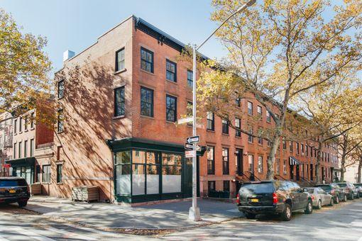 132 Kane Street,