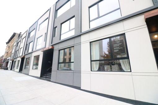 The Wunderhill Townhouses, 22-36 Underhill Avenue,