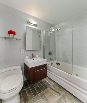 The Omni, 206 East 95th Street, #8B