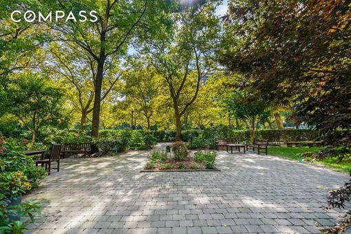 Park West Village, 400 Central Park West, #17U