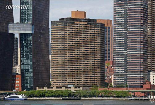 Manhattan Place, 630 First Avenue, #15S
