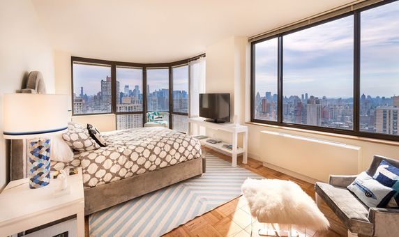 The Strathmore, 400 East 84th Street,