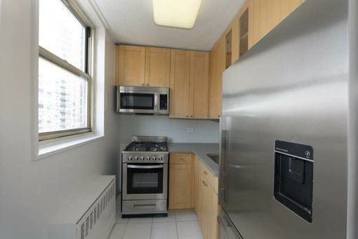 Murray Hill Manor, 166 East 34th Street, #405