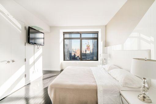 W Downtown Hotel & Residences, 123 Washington Street, #30FL