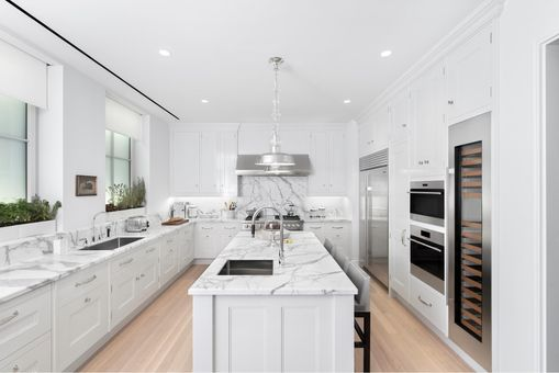Beckford Tower, 301 East 80th Street, #27A