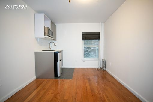 310 West 20th Street, #A5