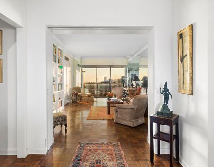 The Sovereign, 425 East 58th Street, #41D