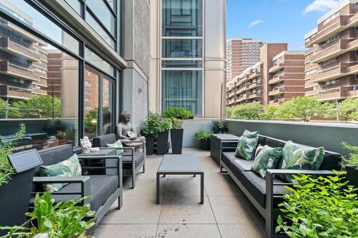 Coda Condominium, 385 First Avenue, #2B