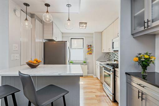 The Chesapeake House, 201 East 28th Street, #2D