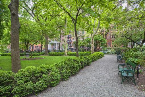 60 Gramercy Park North, #12A