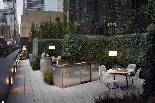 Manhattan View at MiMa, 460 West 42nd Street, #57M