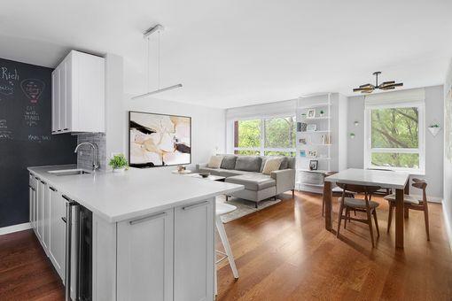 Carnegie Park Condominium, 200 East 94th Street, #217