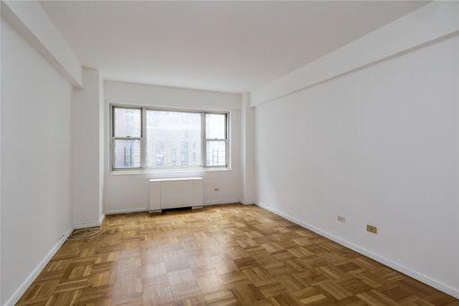 Carnegie House, 100 West 57th Street, #9M