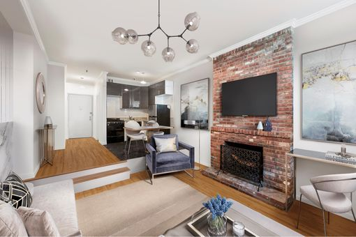 838 Greenwich Street, #1F