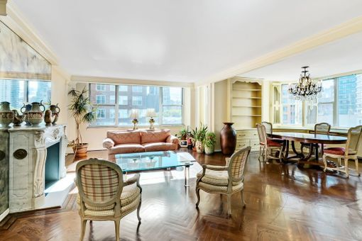 The Victorian, 175 East 62nd Street, #7C