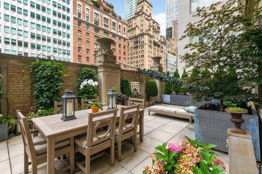 Ritz Tower, 465 Park Avenue, #404