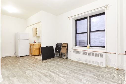 The Monte Cristo, 157 West 123rd Street, #1A