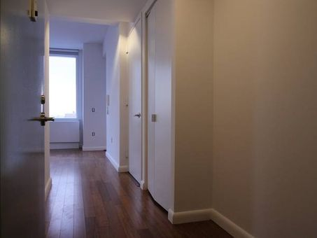 66 Rockwell Place, #8